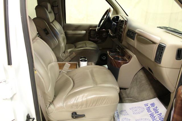 2000 Chevrolet Express Conversion Van w/YF7 Roscoe, Illinois 21