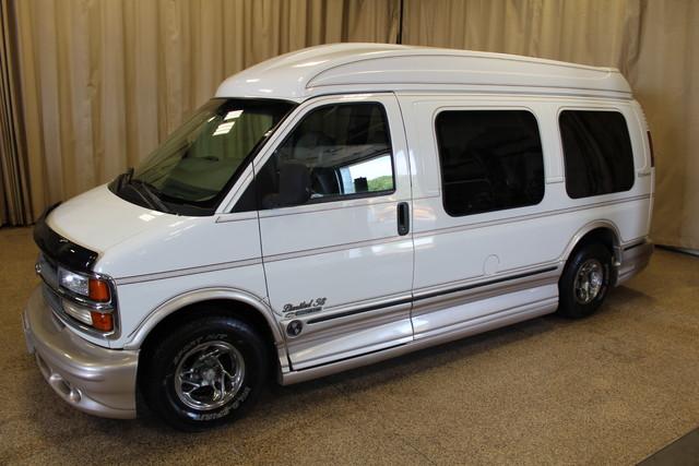 2000 Chevrolet Express Conversion Van w/YF7 Roscoe, Illinois 2