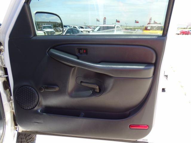 2000 Chevrolet Silverado 1500 Reg. Cab Short Bed 4WD San Antonio , Texas 19