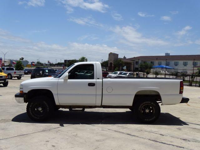 2000 Chevrolet Silverado 1500 Reg. Cab Short Bed 4WD San Antonio , Texas 3