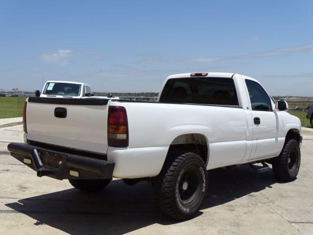 2000 Chevrolet Silverado 1500 Reg. Cab Short Bed 4WD San Antonio , Texas 7