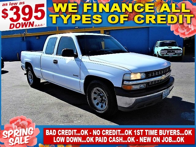 2000 Chevrolet Silverado 1500 C1500 AutoCheck report is available upon request Several thousand p