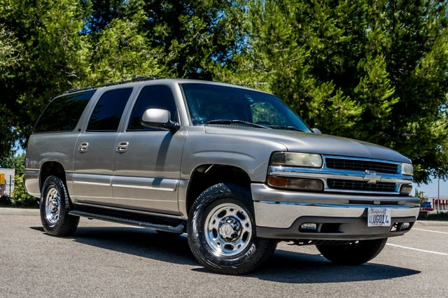 2000 Chevrolet Suburban LT 2500 - AUTO - 3RD ROW - DVD - TOW PKG Reseda, CA 4