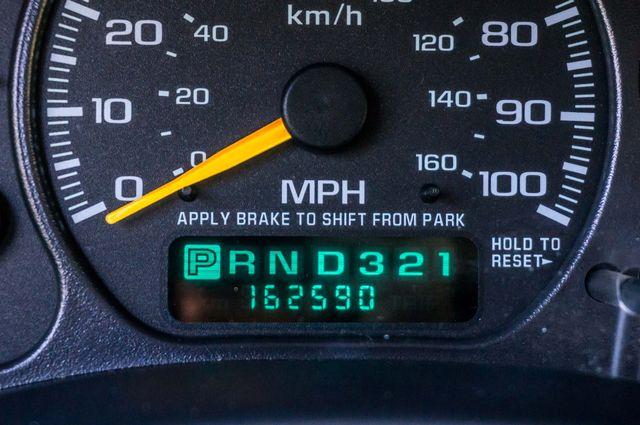 2000 Chevrolet Suburban LT 2500 - AUTO - 3RD ROW - DVD - TOW PKG Reseda, CA 17