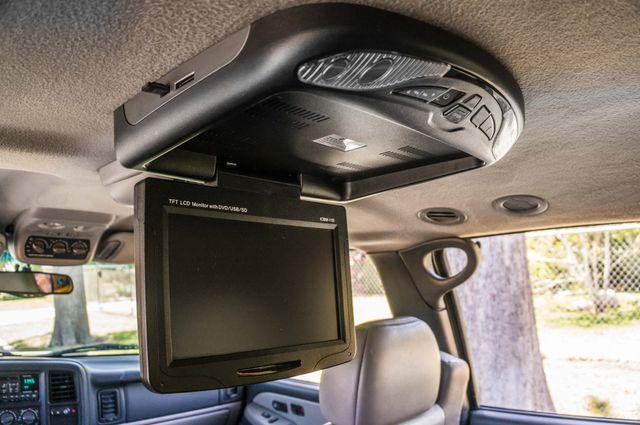 2000 Chevrolet Suburban LT 2500 - AUTO - 3RD ROW - DVD - TOW PKG Reseda, CA 34