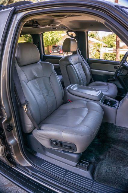 2000 Chevrolet Suburban LT 2500 - AUTO - 3RD ROW - DVD - TOW PKG Reseda, CA 27