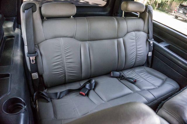 2000 Chevrolet Suburban LT 2500 - AUTO - 3RD ROW - DVD - TOW PKG Reseda, CA 29