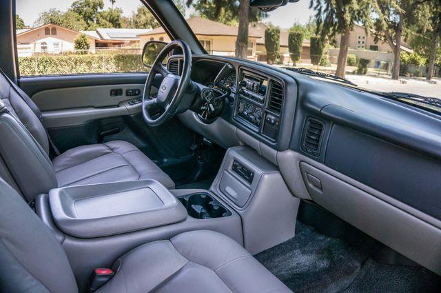 2000 Chevrolet Suburban LT 2500 - AUTO - 3RD ROW - DVD - TOW PKG Reseda, CA 30
