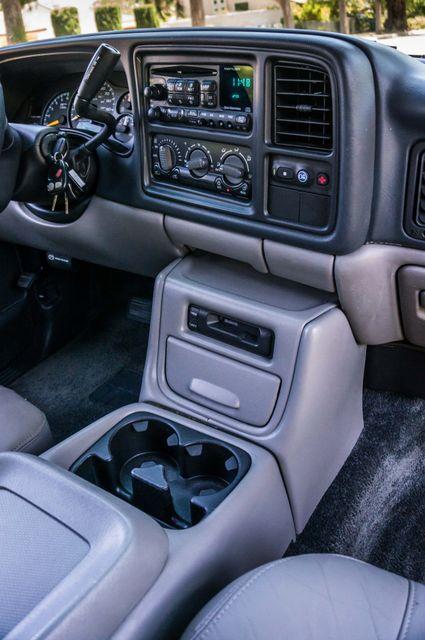 2000 Chevrolet Suburban LT 2500 - AUTO - 3RD ROW - DVD - TOW PKG Reseda, CA 20