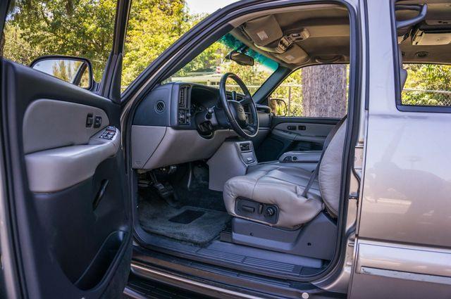 2000 Chevrolet Suburban LT 2500 - AUTO - 3RD ROW - DVD - TOW PKG Reseda, CA 14