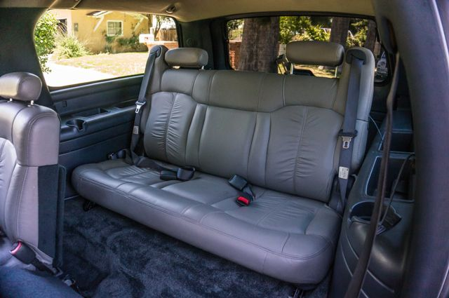 2000 Chevrolet Suburban LT 2500 - AUTO - 3RD ROW - DVD - TOW PKG Reseda, CA 26