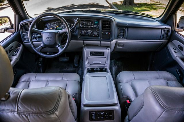 2000 Chevrolet Suburban LT 2500 - AUTO - 3RD ROW - DVD - TOW PKG Reseda, CA 18