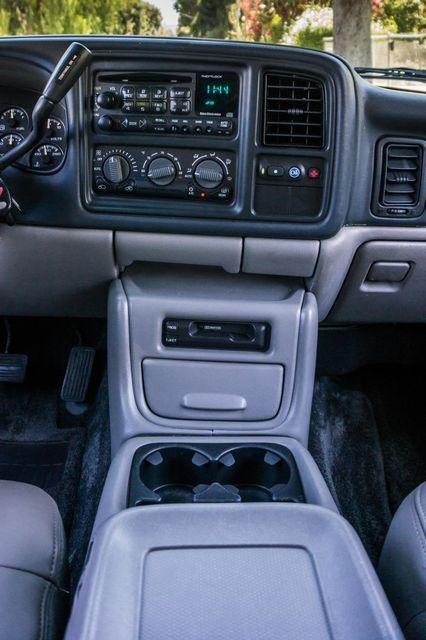 2000 Chevrolet Suburban LT 2500 - AUTO - 3RD ROW - DVD - TOW PKG Reseda, CA 21