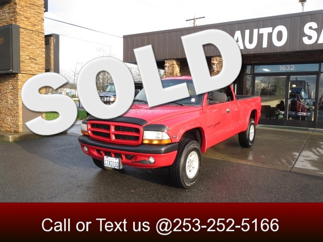 2000 Dodge Dakota Sport 4WD The CARFAX Buy Back Guarantee that comes with this vehicle means that