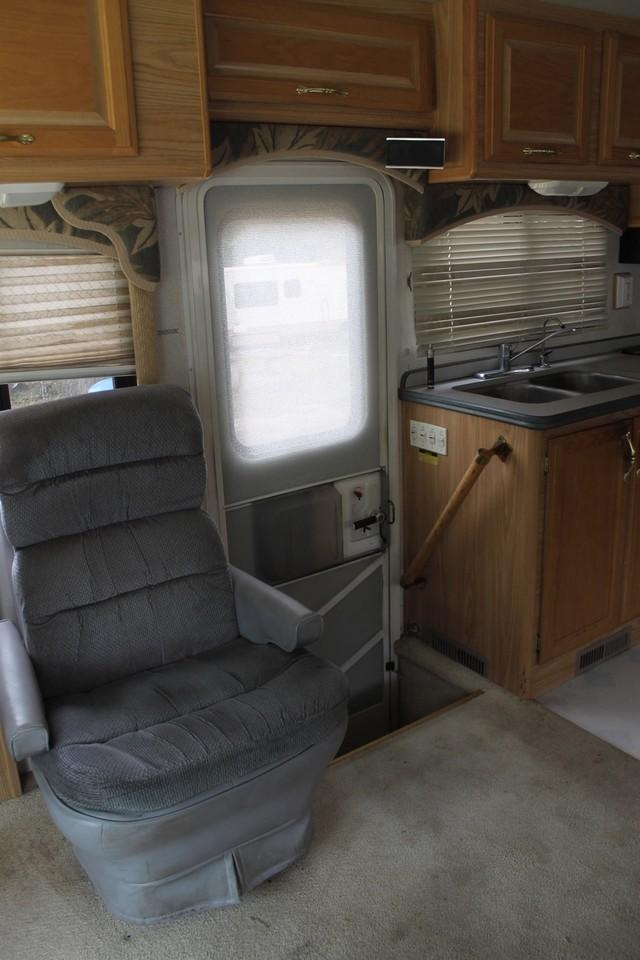 2000 Fleetwood Pace Arrow 33V 2 Slide San Antonio, Texas 14