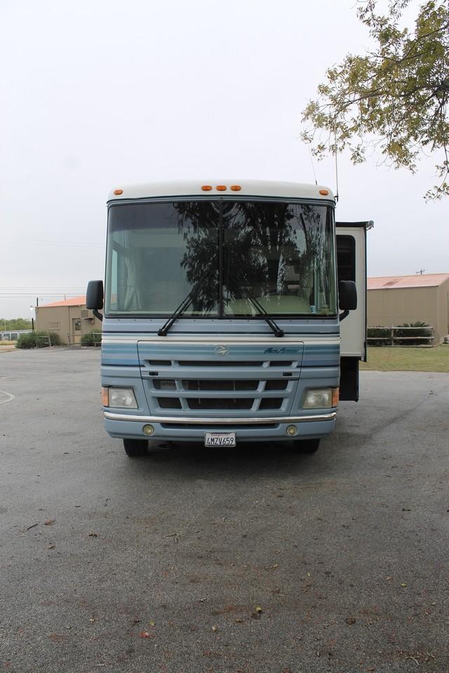 2000 Fleetwood Pace Arrow 33V 2 Slide San Antonio, Texas 40
