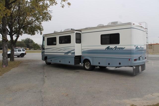 2000 Fleetwood Pace Arrow 33V 2 Slide San Antonio, Texas 41