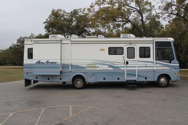 2000 Fleetwood Pace Arrow 33V 2 Slide San Antonio, Texas 45