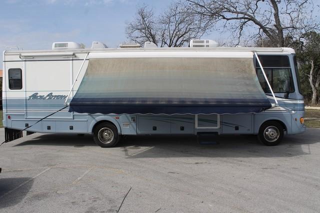 2000 Fleetwood Pace Arrow 33V 2 Slide San Antonio, Texas 56