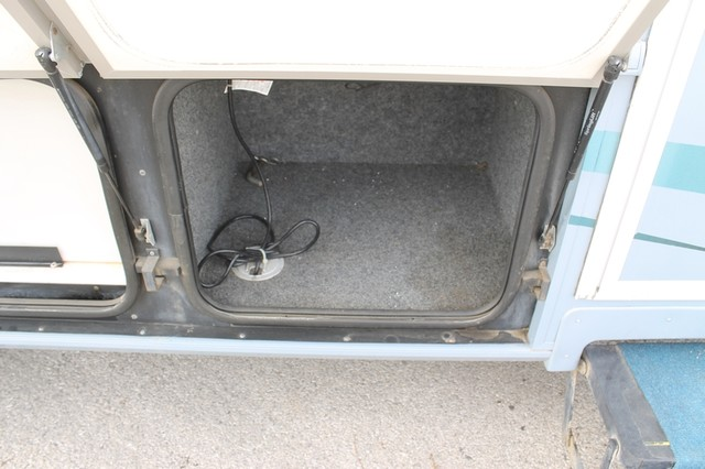 2000 Fleetwood Pace Arrow 33V 2 Slide San Antonio, Texas 63
