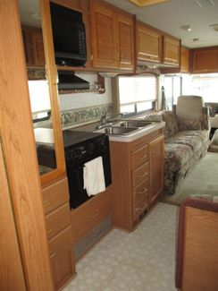 2000 Fleetwood Southwind Storm 30H  city Florida  RV World of Hudson Inc  in Hudson, Florida