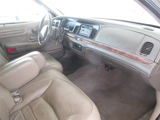 2000 Ford Crown Victoria LX Gardena, California 12
