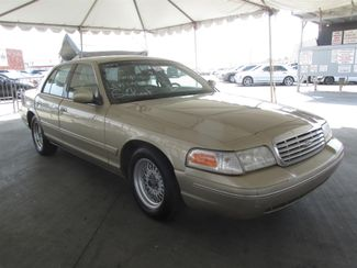 2000 Ford Crown Victoria LX Gardena, California 3