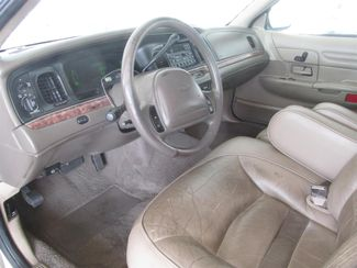 2000 Ford Crown Victoria LX Gardena, California 7