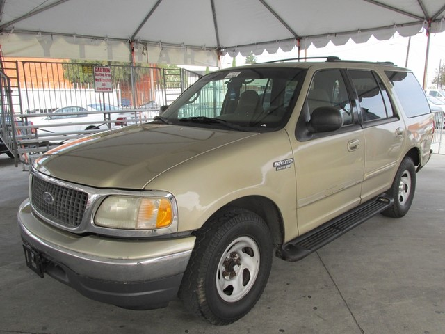 2000 Ford Expedition XLT Please call or e-mail to check availability All of our vehicles are ava