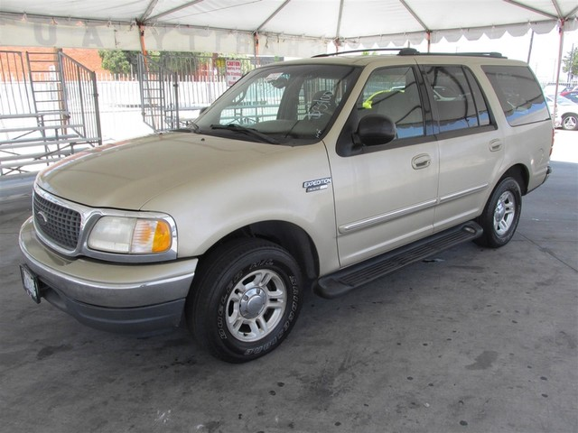 2000 Ford Expedition XLT Please call or e-mail to check availability All of our vehicles are av