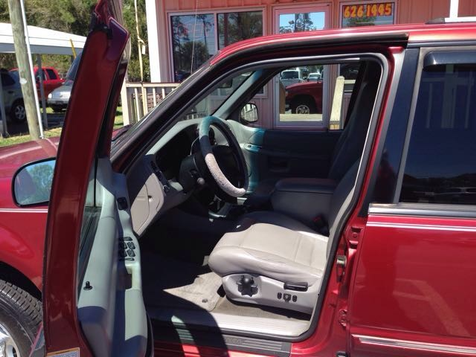2000 Ford Explorer XLT | Myrtle Beach, South Carolina | Hudson Auto Sales in Myrtle Beach, South Carolina
