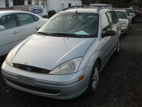 2000 Ford Focus SE in Harwood, MD