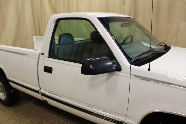 2000 GMC Sierra 2500 Roscoe, Illinois 9