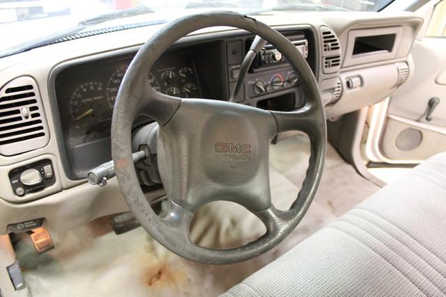 2000 GMC Sierra 2500 Roscoe, Illinois 17