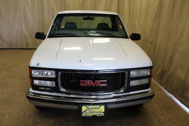 2000 GMC Sierra 2500 Roscoe, Illinois 3
