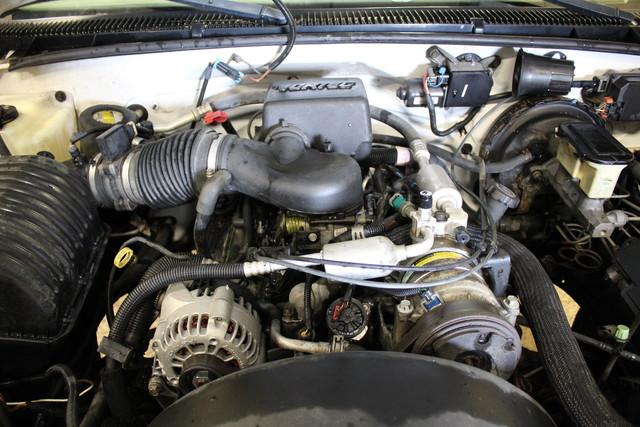 2000 GMC Sierra 2500 Roscoe, Illinois 22