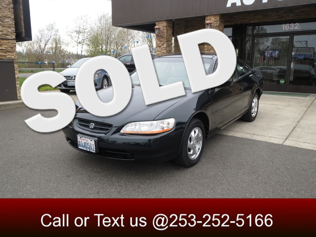2000 Honda Accord EX The CARFAX Buy Back Guarantee that comes with this vehicle means that you can