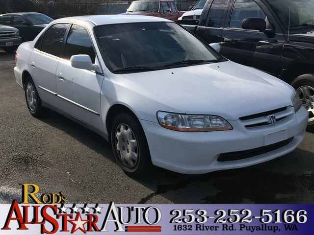 2000 Honda Accord LX The CARFAX Buy Back Guarantee that comes with this vehicle means that you can