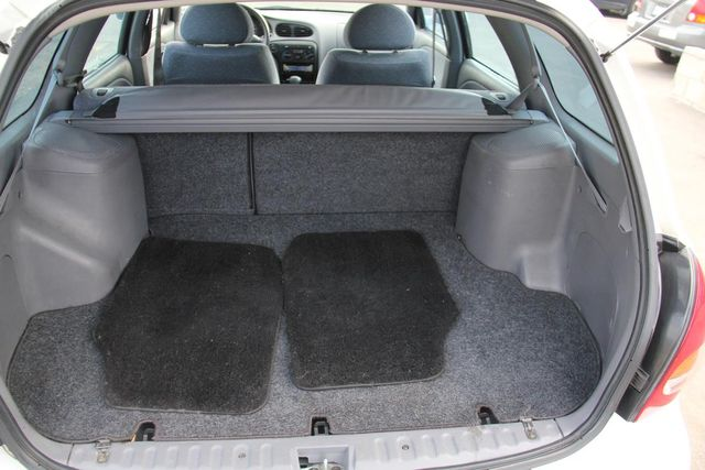 2000 Hyundai Elantra GLS Santa Clarita, CA 23