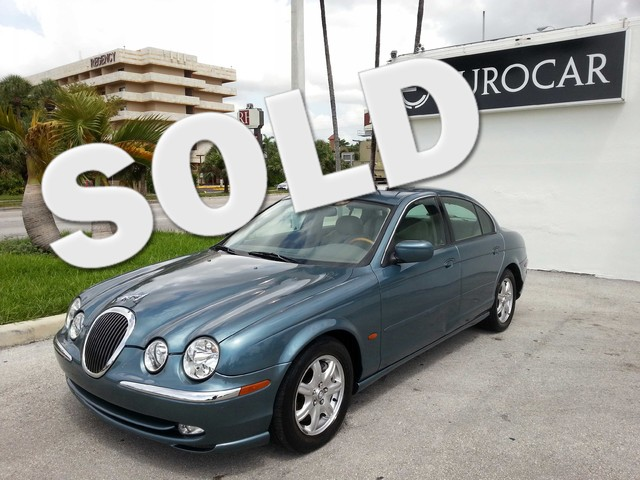 2000 Jaguar S-TYPE V8 This 2000 JAGUAR S TYPE IS A CREAMPUFF BEAUTIFUL LEATHER SEATS WOOD GRAIN