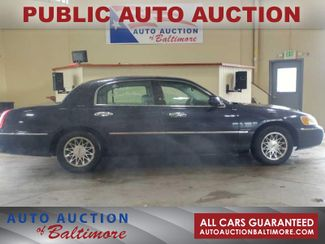 2000 Lincoln Town Car in JOPPA MD