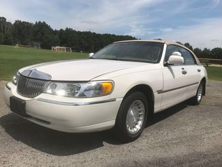 2000 Lincoln Town Car Executive Ravenna, Ohio