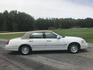 2000 Lincoln Town Car Executive Ravenna, Ohio 4