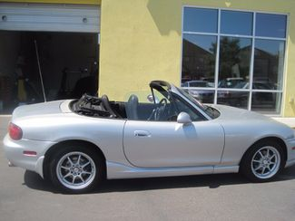 2000 Mazda MX-5 Miata Base Englewood, Colorado 1