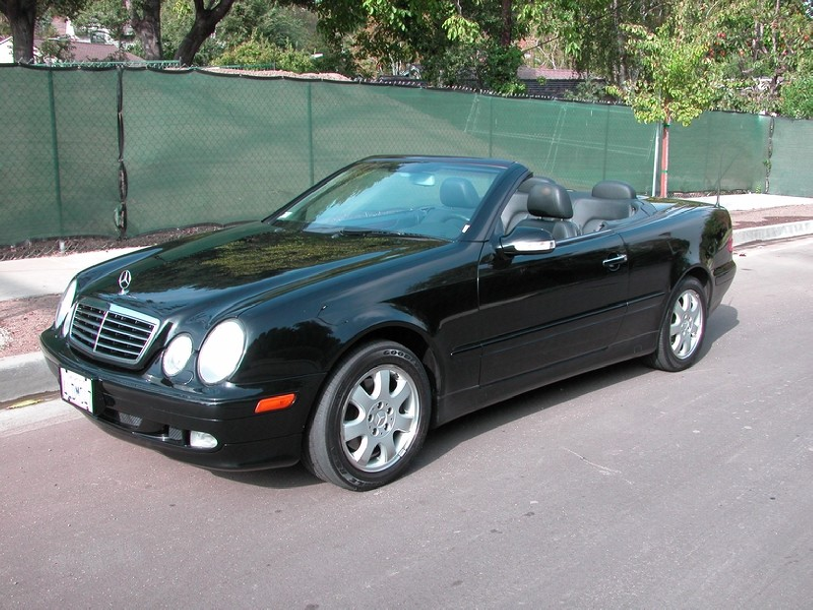 2000 mercedes-benz clk320 convertible one owner super clean city