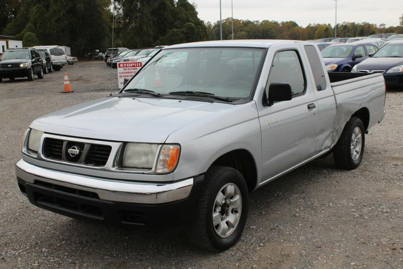 Used 2000 Nissan Frontier XE