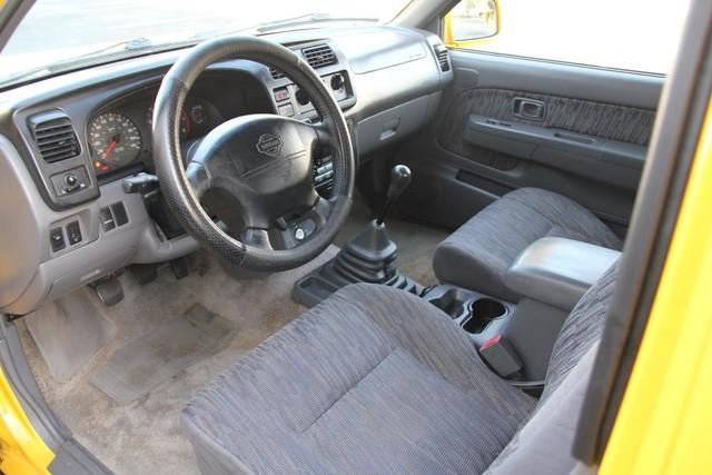 2000 Nissan Frontier SE Santa Clarita, CA 7