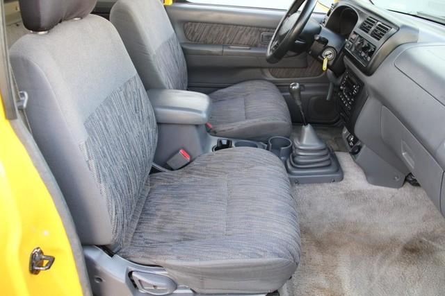 2000 Nissan Frontier SE Santa Clarita, CA 14