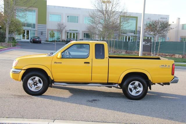 2000 Nissan Frontier SE Santa Clarita, CA 10