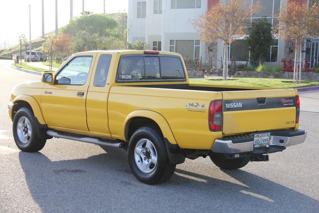 2000 Nissan Frontier SE Santa Clarita, CA 5